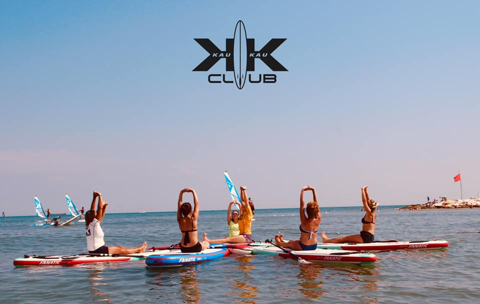 kaukau club yoga sup