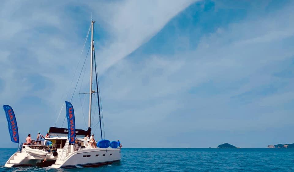 yoga sup tour catamarano